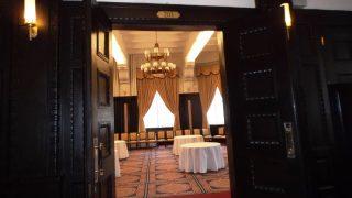 部屋の入口|学士会館 201号室